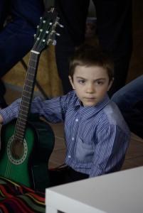 Zajęcia nauki gry na gitarze w Studium Świat Gitary